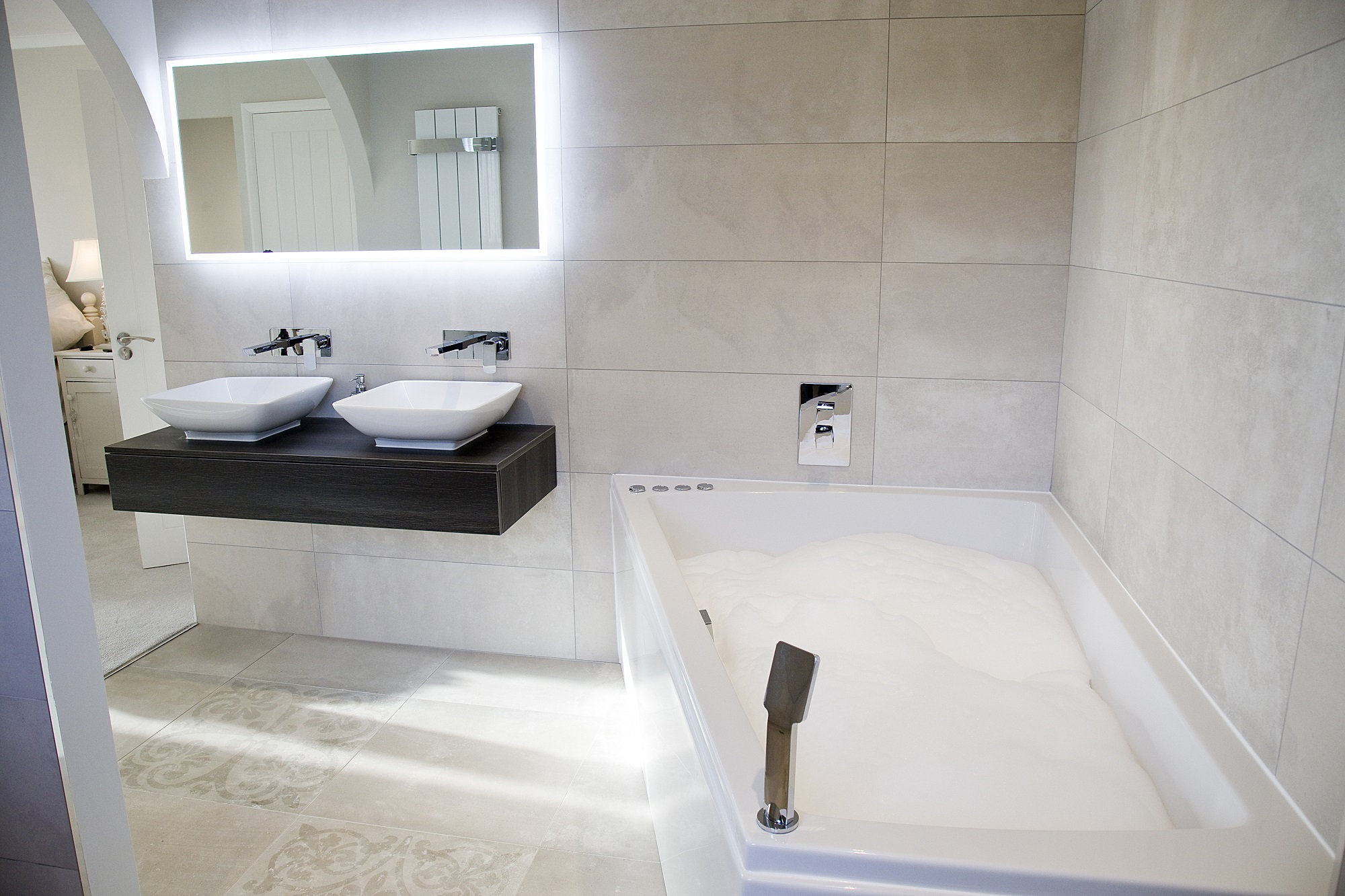 Luxurious bathroom installations apollo design for Bathroom designs normal