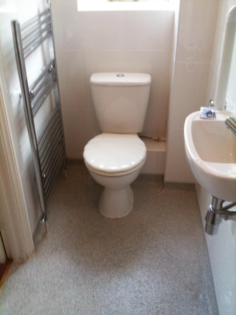 Apollo design mobility wet room specialist and bathroom for Toilet and bath design small space
